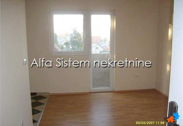 Kuća Žarkovo 900 EUR