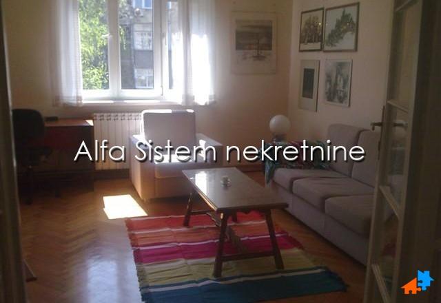 Stan Dvosoban Centar Stari grad 500 EUR