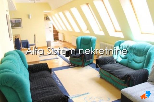 Stan Četvorosoban Centar Strogi Centar 800 EUR