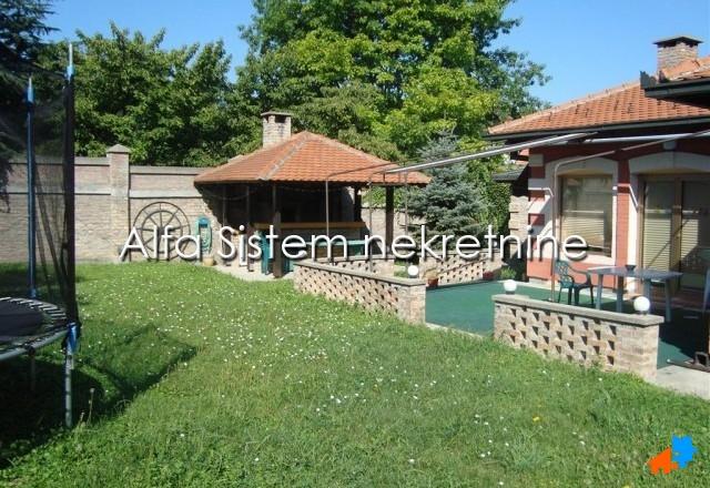 Kuća , Beograd (grad) | Kuća Senjak 1900 EUR