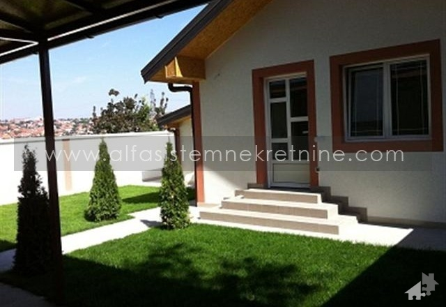 Poslovni prostor Medaković 700 EUR