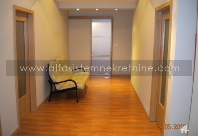 Poslovni prostor Centar Palilula 300 EUR