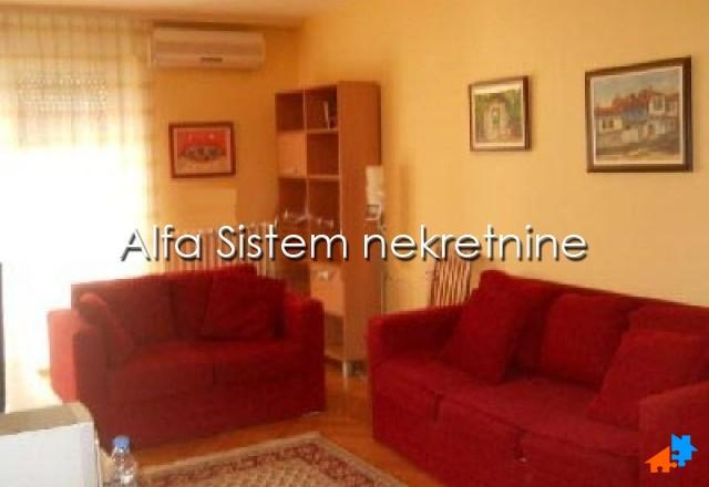 stan,Crveni krst,350 EUR Agencijski ID:14863