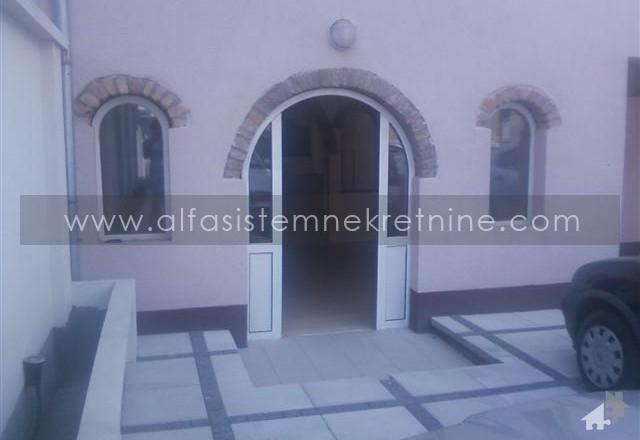 Poslovni prostor Zemun 350 EUR