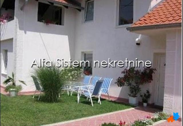 Kuća Banjica 1200 EUR