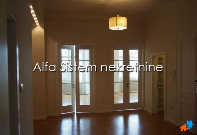 Poslovni prostor Centar Strogi Centar 800 EUR