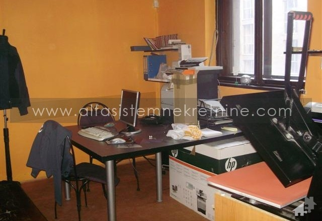 Stan Trosoban Centar Strogi Centar 400 EUR