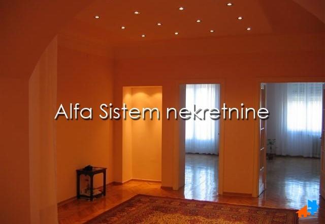 Poslovni prostor Centar Strogi Centar 900 EUR