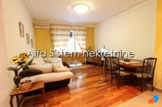 Stan Trosoban Centar Strogi Centar 850 EUR