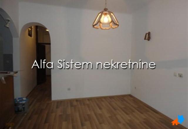 Kuća Zemun 1000 EUR