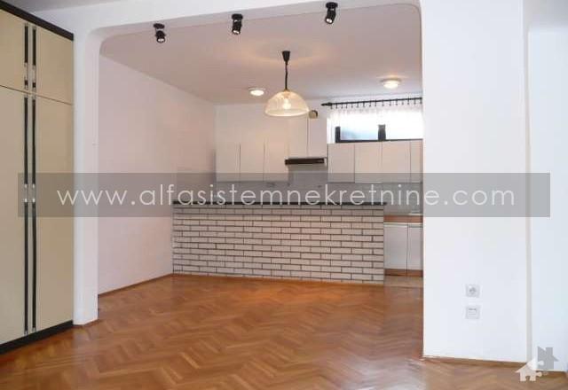 Kuća Lekino Brdo 400 EUR