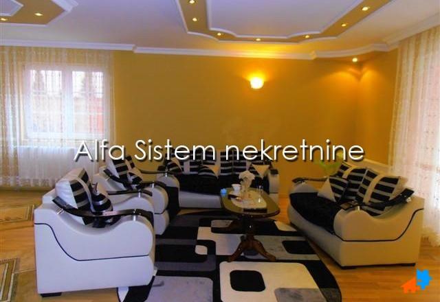 Kuća Zvezdara 1800 EUR