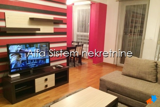 Stan Dvosoban Novi Beograd Belvil 500 EUR