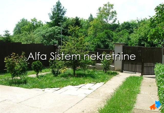 Kuća Banjica 600 EUR