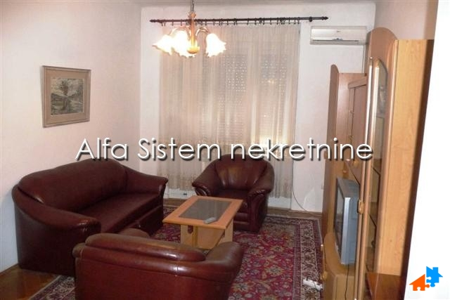 Stan Dvosoban Centar Strogi Centar 350 EUR