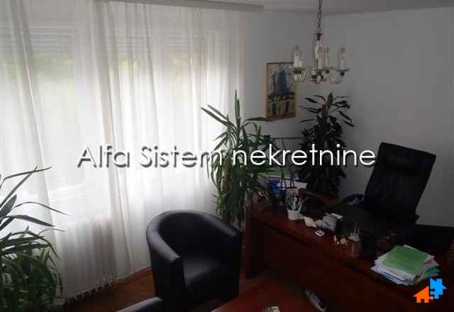 Stan Dvosoban Centar Strogi Centar 300 EUR