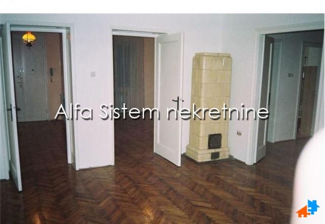 Stan Troiposoban Centar Stari grad 450 EUR