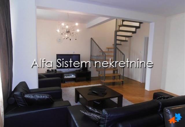 Stan Četvoroiposoban Novi Beograd Arena 900 EUR