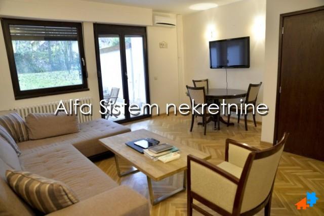 Kuća Dedinje 1090 EUR