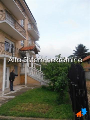 Kuća Banjica 2000 EUR