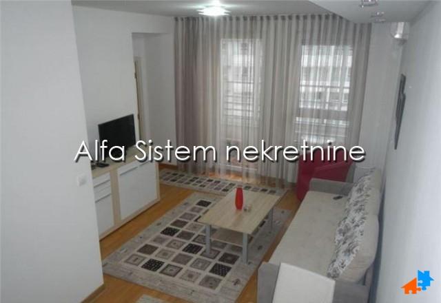 Stan Jednoiposoban Novi Beograd Belvil 450 EUR