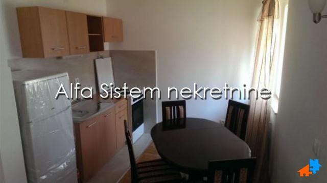 Stan Jednoiposoban Đeram pijaca 270 EUR