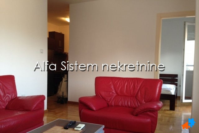 Stan Jednoiposoban Novi Beograd Arena 480 EUR