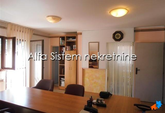 Kuća Zemun 700 EUR