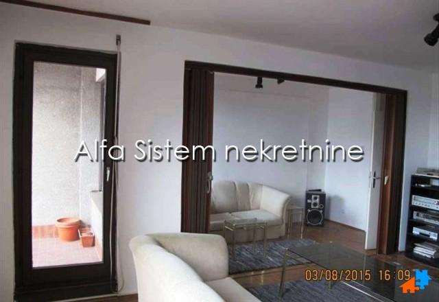 Stan Troiposoban Vračar 450 EUR