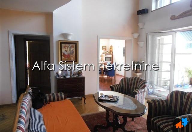 Kuća Dedinje 2500 EUR