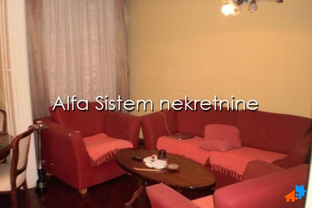 Stan,Dvosoban,Šumice,330 EUR