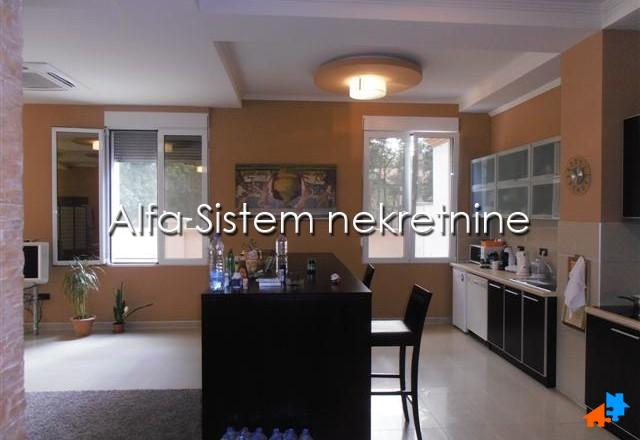 Kuća Zemun 1500 EUR
