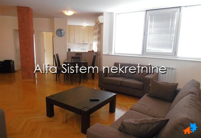 Stan Četvorosoban Novi Beograd Arena 1000 EUR