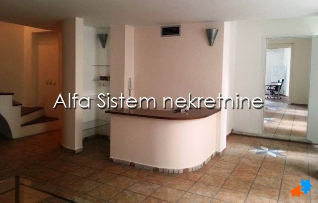 Poslovni prostor Centar Strogi Centar 700 EUR