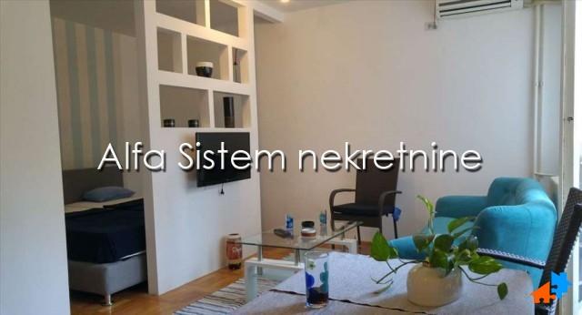 Stan Jednosoban Centar Savski Venac 300 EUR