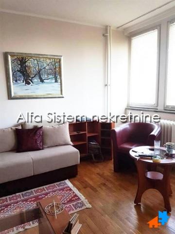 Stan Trosoban Novi Beograd Sava Centar 400 EUR