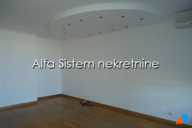 Poslovni prostor Novi Beograd Belvil 400 EUR