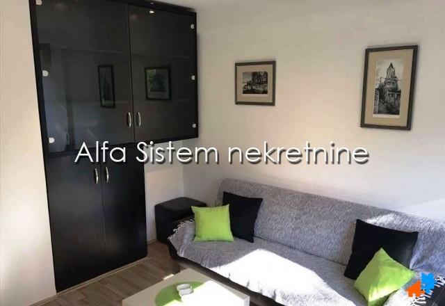 Stan Jednoiposoban Novi Beograd Fontana 300 EUR
