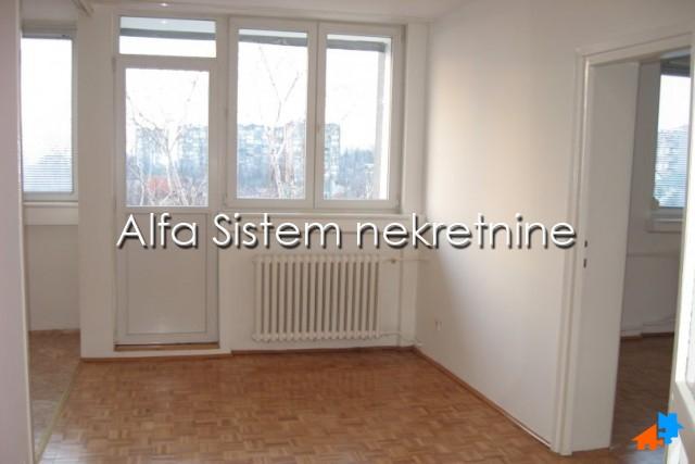 Stan Dvoiposoban Zvezdara 250 EUR