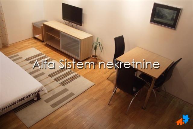 Stan Jednosoban Centar Palilula 250 EUR