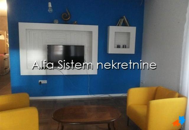 Stan Dvoiposoban Zemun 350 EUR