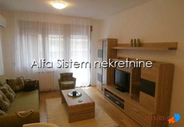 Stan Dvosoban Novi Beograd Blok A 500 EUR