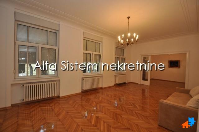 Stan Petosoban Centar Strogi Centar 1800 EUR