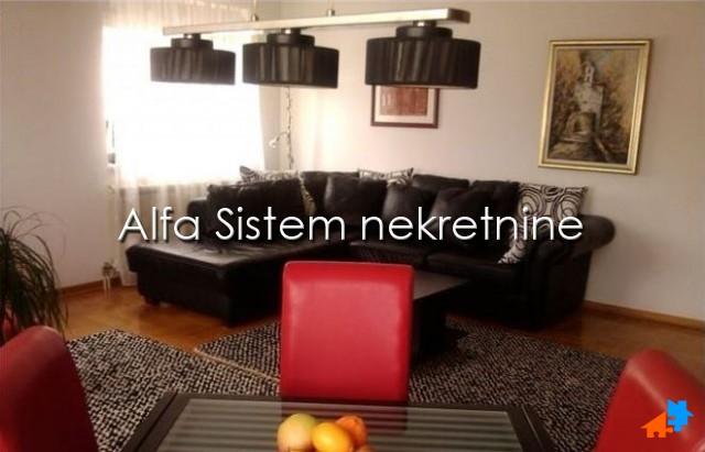 Stan Četvorosoban Đeram pijaca 550 EUR