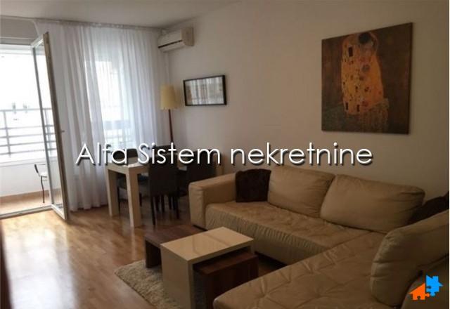 Stan Dvosoban Novi Beograd Belvil 550 EUR