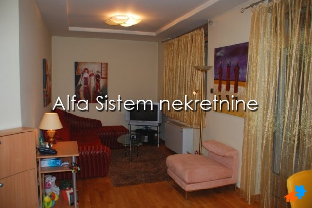 Stan Jednoiposoban Vračar 350 EUR