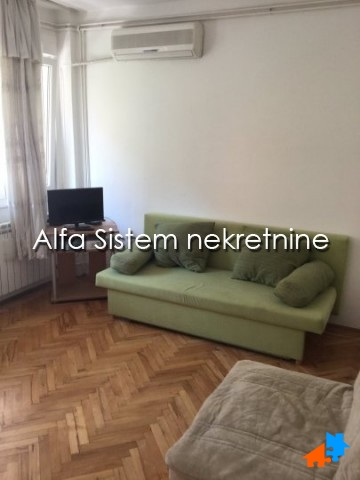 Stan Trosoban Dorćol 450 EUR