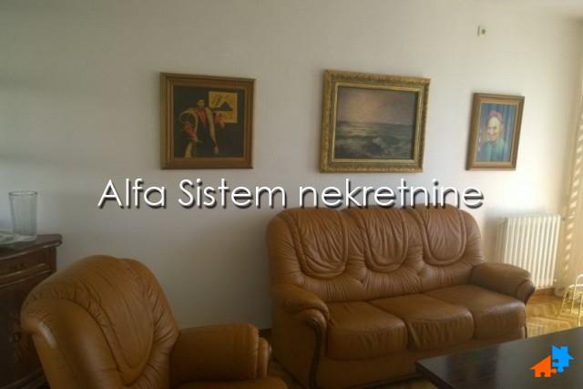 Stan Četvorosoban Centar Savski Venac 1100 EUR