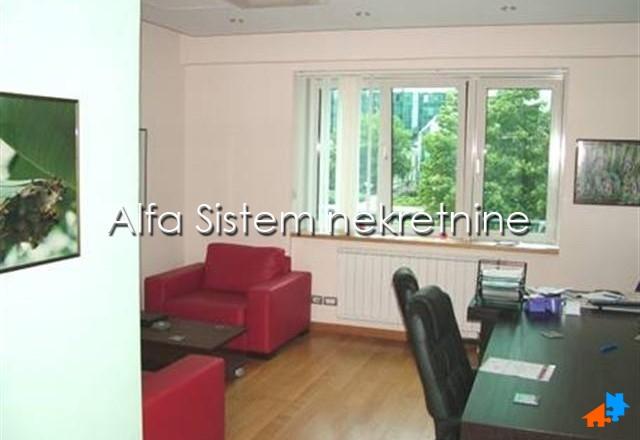 Poslovni prostor Novi Beograd Sava Centar 600 EUR