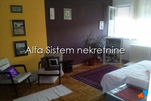 Stan Dvosoban Novi Beograd Merkator 300 EUR